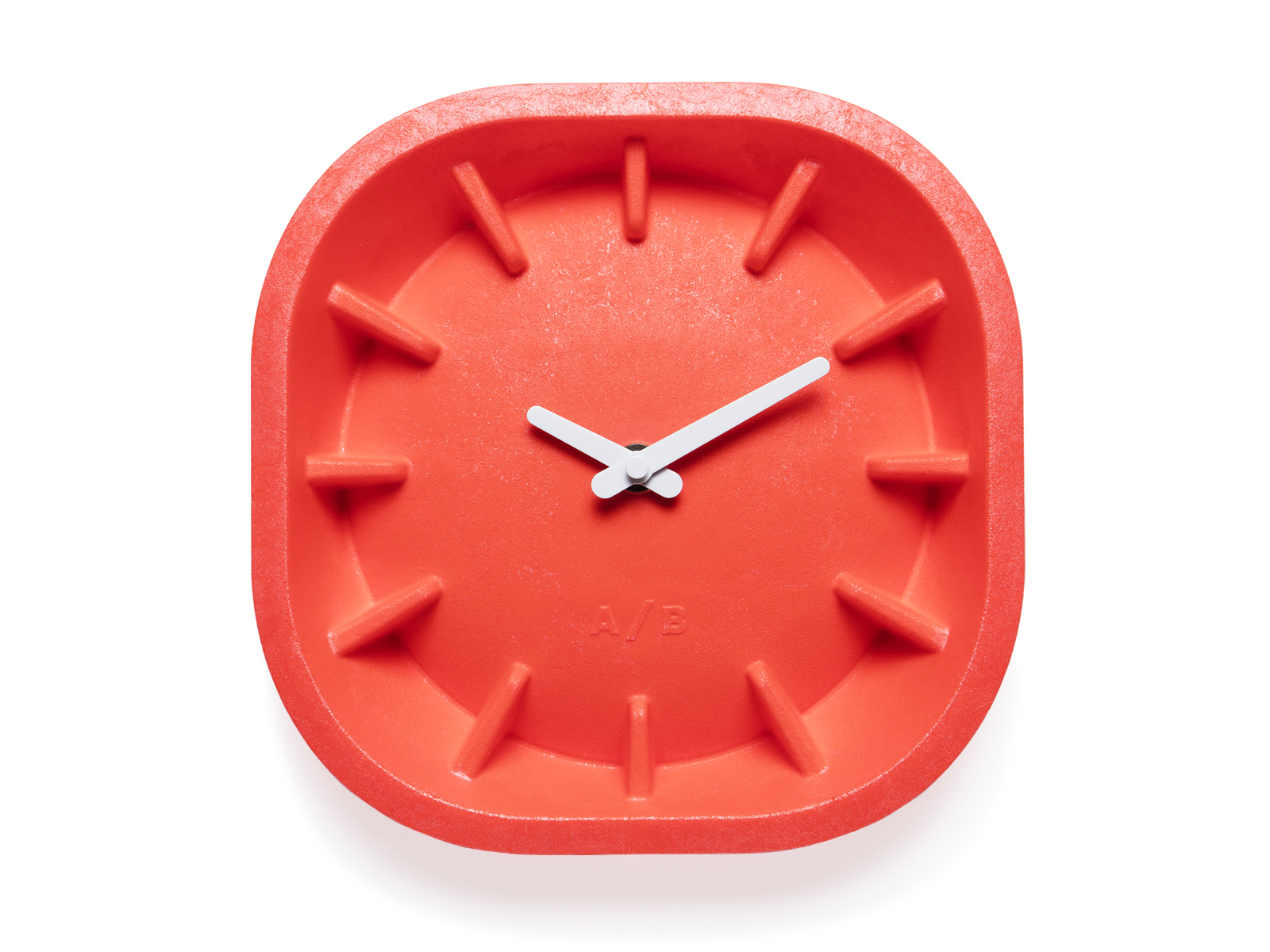 Anno, Benk, Design, klok, clock, paper clock, grey, red, coral, stone, binnenwerk, winkel, interieur, Leeuwarden, merk, design, candle holder, kandelaar, trivet, fornuis, kaarsenhouder, desk organizer, kurk, cork, table, island, casted, pink, grey, natural